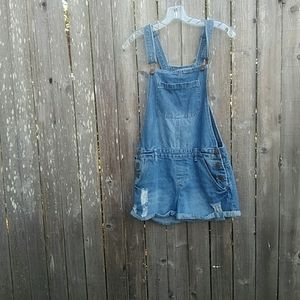 The clasic shortall overall shorts